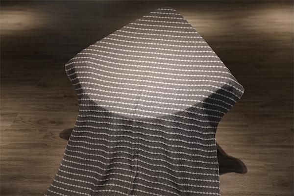 Бело-полосатый вязаный воздушный слой